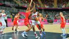 Americk� basketbalistky drtily soupe�e pr�m�rn� o 34 bod�