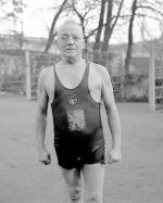 Alfred Nikodém na tréninku otužilců na Vltavě na S…
