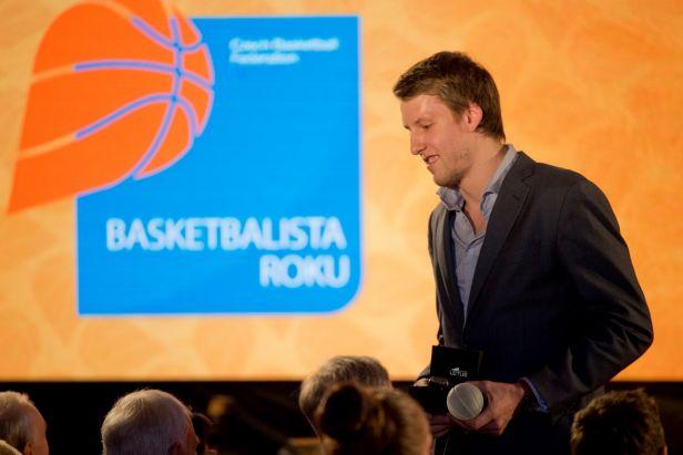 Veselý ukončil nadvládu Satoranského a stal se basketbalistou roku, ženám vládne Elhotová