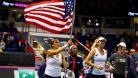 Američanky vyhrály rozhodující čtyřhru a slaví 18. fedcupový titul