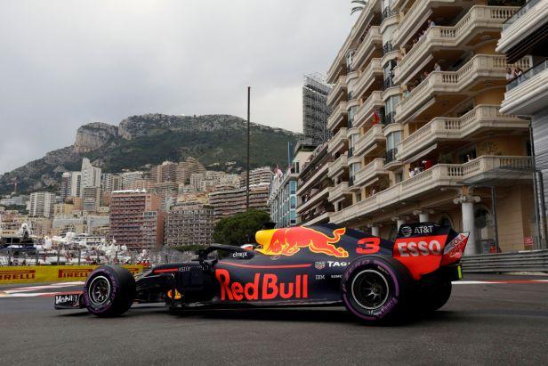 Monacký král Ricciardo završil víkend snů triumfem ve velké ceně