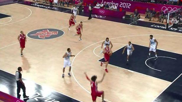 Basketbalov� z�pas o t�et� m�sto - Rusko proti Argentin�