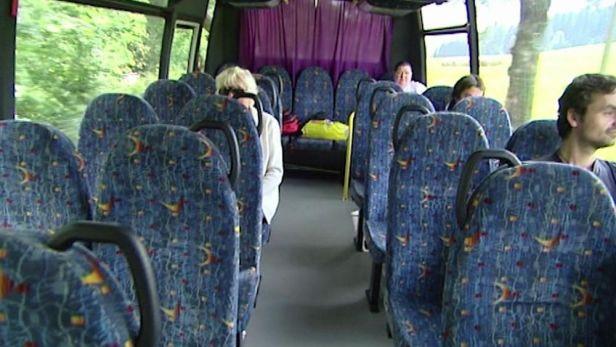 Autobusy na zavol�n� v Orlick�ch hor�ch neusp�ly