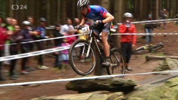 Cyklistick� sout� S �T sport na vrchol zn� v�t�ze, �ek� je cesta na MS