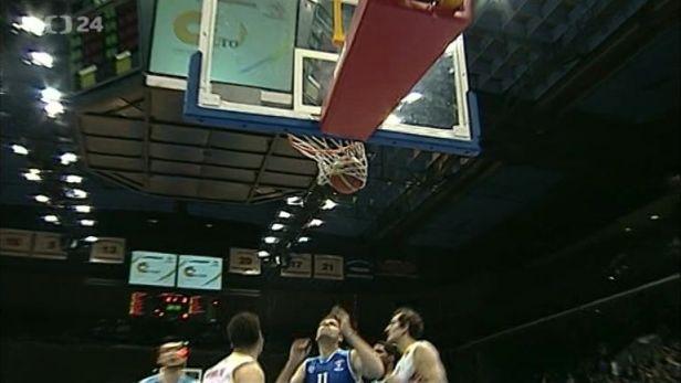 Basketbalov� liga zm�nila n�zev, jinak v�ak za�ala postaru