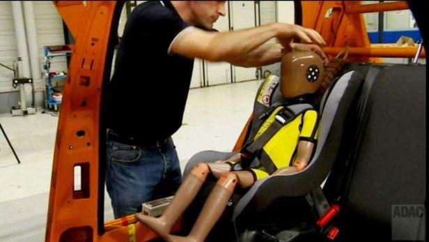 Pozor na levn� autoseda�ky: v�t�ina v testu propadla