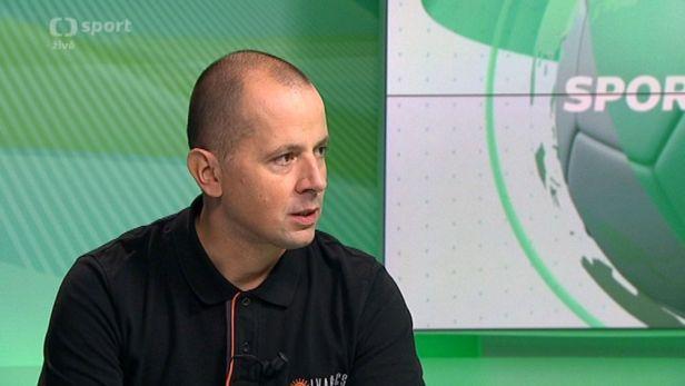 Host SZ: Motocyklista Jan Vesel� p�ed Dakarem