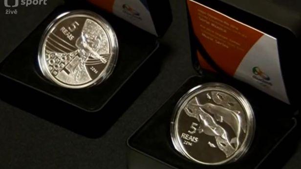 V Braz�lii se za�aly vyr�b�t medaile pro olympi�du a paralympi�du v Riu