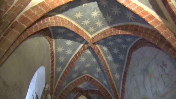 Strakonickou komendu se vz�cn�mi freskami mo�n� zachr�n� kraj