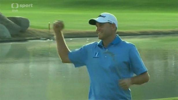 Golfista Haas vyhr�l prvn� turnaj po lo�sk� zlomenin� z�p�st�