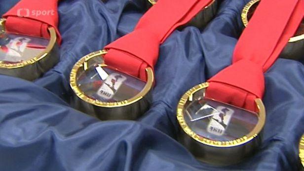 Medaile pro hokejov� MS budou ��ste�n� ze skla