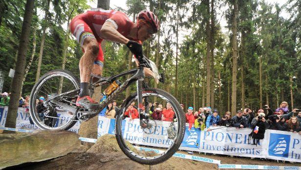 �IV�: Bikersk� �pi�ka z�vod� ve �v�carsku