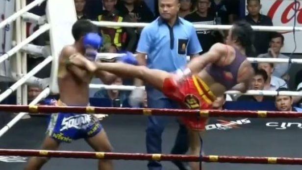 Dívka v thajském boxu úspěšně bojuje i s muži