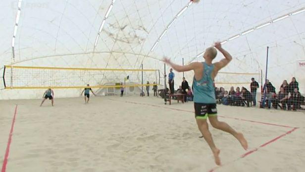Beachvolejbalové domácí mistrovství ovládli Wiess a Tichý