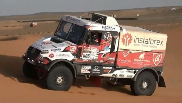 Vedoucí Loprais v Maroku ztratil, přesto je stále v čele pořadí kamionů