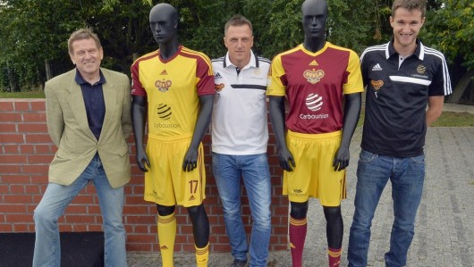 Nové dresy Dukly Praha
