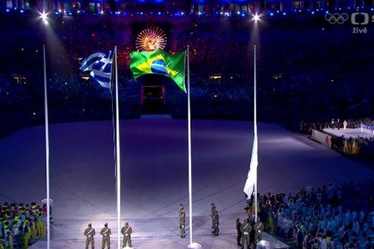 Předání olympijské vlajky guvernérce Tokia
