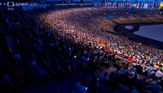 Diváci na stadionu Maracaná